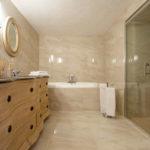 Salle de bain niveau inferieur